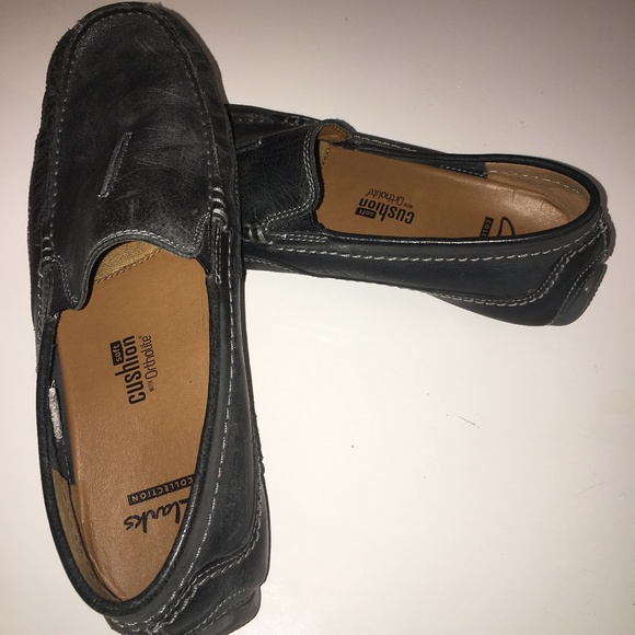 clarks mens black slip on shoes